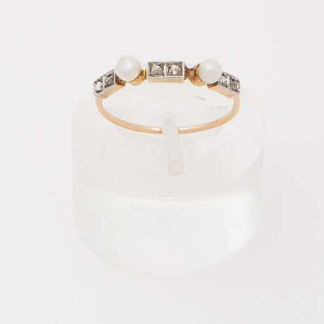 Young lady, French Napoléon III ring.
