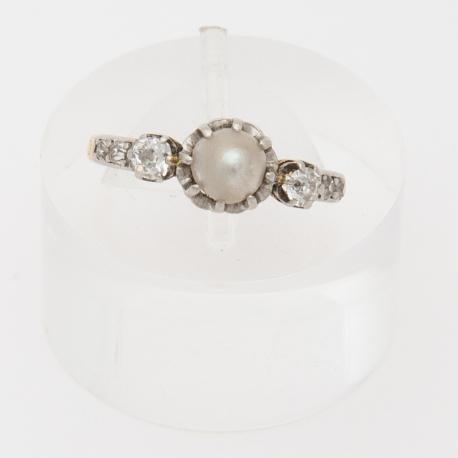 Bague de petit doigt, d'époque Napoléon III, perle fine et diamants