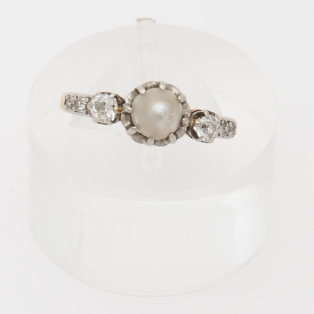 Pinky finger, French Napoléon III ring.