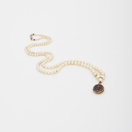 White Pearls Sautoir Amethyst Locket